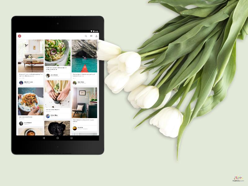 Tablet mit Pinterest Inhalte und Tulpen